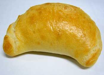 カルツォーネ(トマト&チーズ)