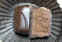 ダークチョコレートチップトリフ断面